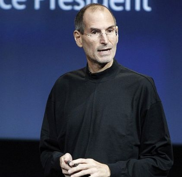 Стив Джобс (56 лет). Гений IT-технологий, основатель Apple и Pixar, разработчик одного из первых персональных компьютеров узнал, что болен раком в октябре 2003.