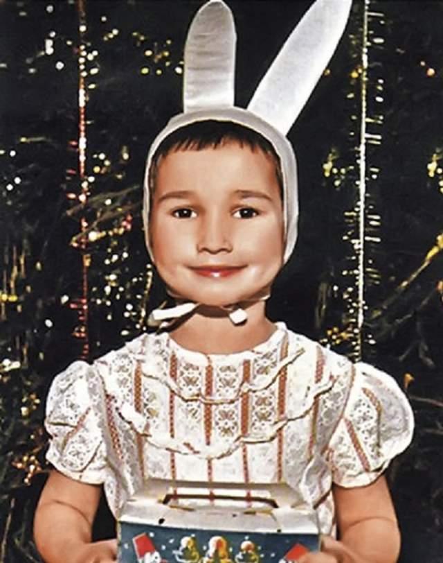 Анфиса Чехова в образе зайчика.