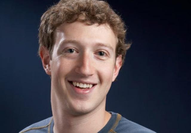 """Марк Цукерберг , основатель социальной сети Facebook. В мае 2011 года создатель крупнейшей в мире социальной сети вдруг опубликовал на своей персональной странице статус следующего содержания: """"Я только что убил свинью и козла""""."""