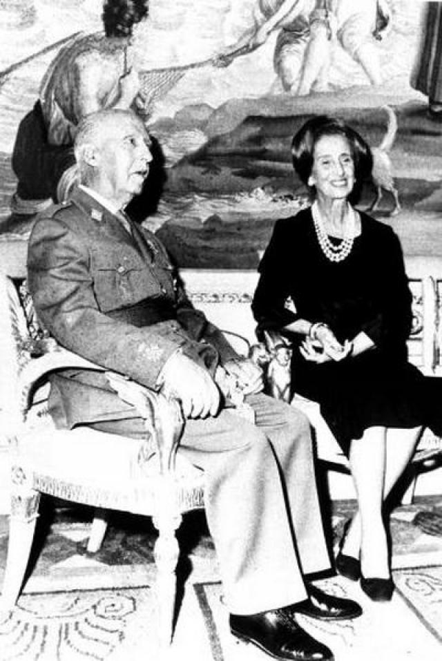 """После смерти Франко она создала организацию его последователей """"Эль Мовимиенто"""". Последние годы жизни Кармен Поло провела в затворничестве, вдали от близких, редко выходила из дома и совсем не интересовалась политикой."""