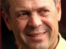 В Турции актер массовки зарезал известного режиссера