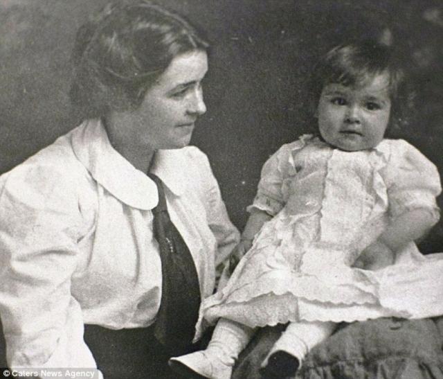 """Элен Уокер считает, что ее зачатие произошло именно на """"Титанике"""" перед столкновением с айсбергом. """"Для меня это много значит"""", – признавалась она в интервью."""