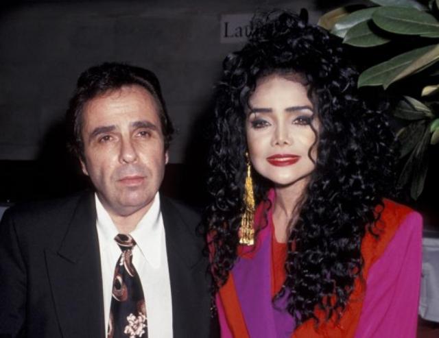 Документы, счета, контракты - все это было в его руках. В 1997 году женщина решилась развестись. Бракоразводный процесс длился довольно долго из-за финансовых претензий.