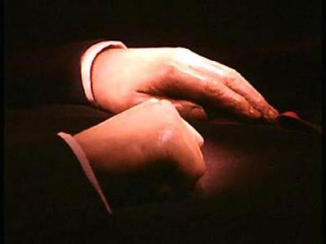 """Как сообщил пресс-секретарь Управления делами президента Российской Федерации Виктор Хреков, """"этого вопроса и не было, и нет; эта тема даже не рассматривается""""."""