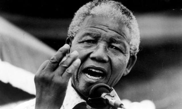 Нельсон Мандела. В возрасте девяти лет Мандела потерял своего отца, который умер от туберкулёза.