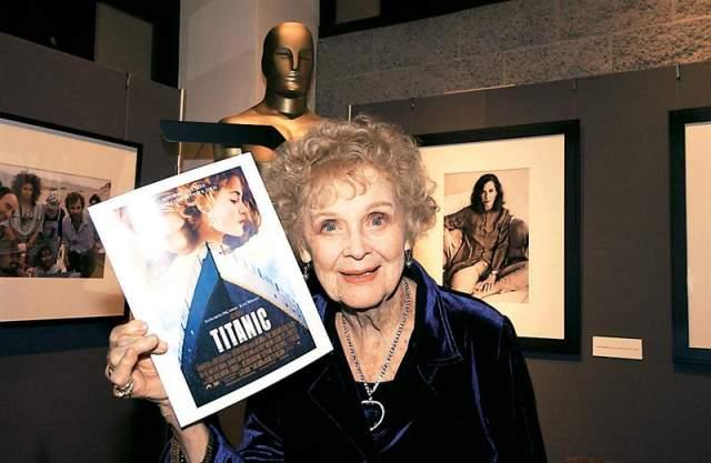 """Глория Стюарт, 1910-2010. Знаменитая в 30-х и 40-х американская актриса в конце 20 века получила новый виток популярности. Ее номинировали на """"Оскар"""" - именно она сыграла постаревшую Розу Доусан в фильме """"Титаник""""."""