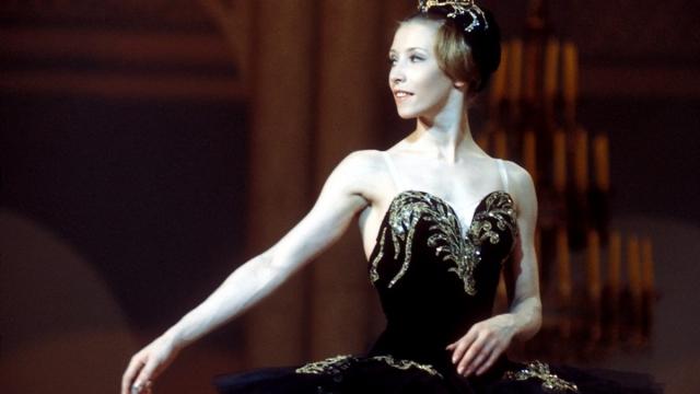 С декабря 1970 году стала примой Американского театра балета, танцевала в лучших балетных труппах Европы.
