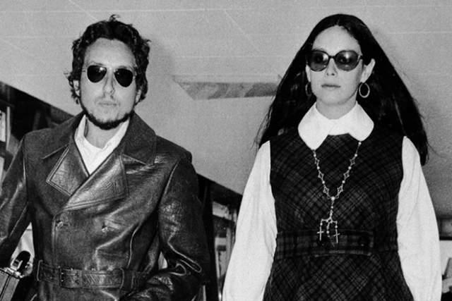 Затем возлюбленными музыканта стали актриса Эди Седжвик, юная певица Дана Гиллеспи и очаровательная Сара Лоундс. Именно Саре удалось надолго завладеть сердцем Дилана. Возлюбленные поженились. Этот брак подарил Бобу четверых детей. Увы, в 1970-х и эти отношения распались, после развода музыкант пустился во все тяжкие