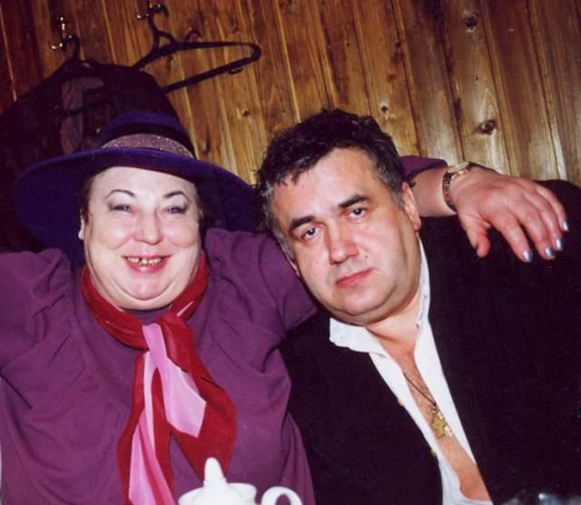 В 1999 году Лидия Иванова была удостоена звания «Человек-праздник». Некоторыми своими поступками Иванова эпатировала поклонников и недоброжелателей. Так, например, телеведущая вышла на подиум, став моделью для полных женщин. А в одной из программ ток-шоу «Окна» сДмитрием Нагиевым, Иванова залезла в пластмассовый бассейн с макаронами и исполнила песню «Люблю я макароны».