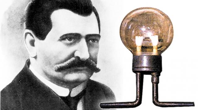 Однако до него лампочки были придуманы и реализованы российскими исследователями Лодыгиным (на фото)...