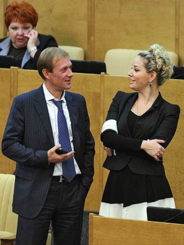 """Мария Максакова - депутат Госдумы от партии """"Единая Россия""""."""