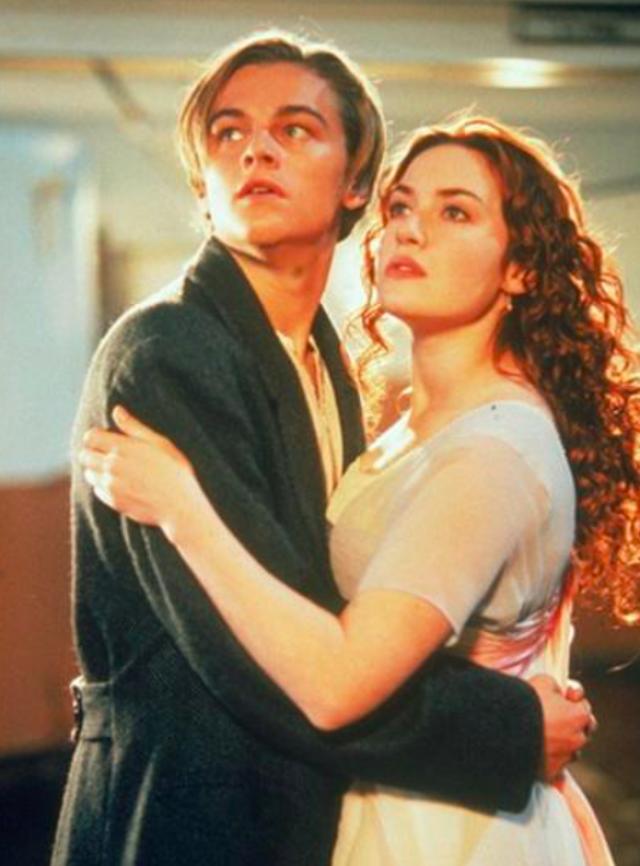Начав актерскую карьеру, Уинслет постепенно сбросила около 20 кг, но все равно была девушкой заметных форм.