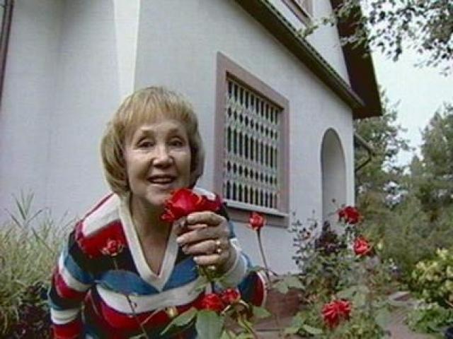 В последние годы своей жизни Надежда Румянцева вела достаточно тихую и уединенную жизнь. Она много занималась цветами, чувствуя свои родные корни и детство, проведенное на природе. В 2000-х годах актриса снялась в нескольких легких фильмах, но роли эти были не сильно заметными.