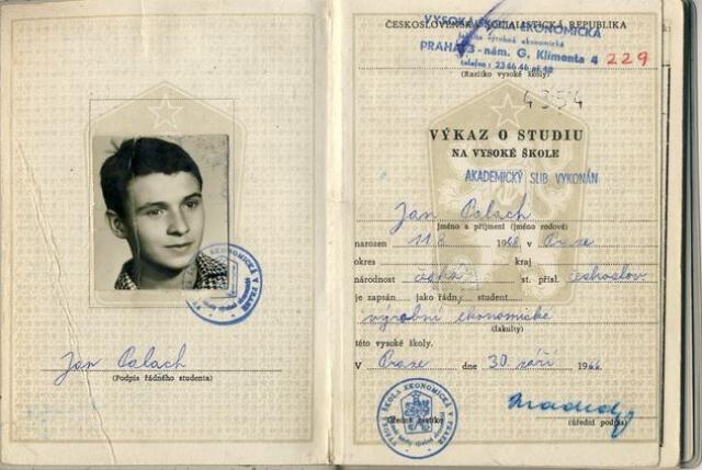 В портфеле Палаха были письма, объясняющие его поступок. Также там говорилось, что существует организация молодых людей, собирающихся такой формой самопожертвования протестовать против иностранного военного вмешательства в дела Чехословакии.