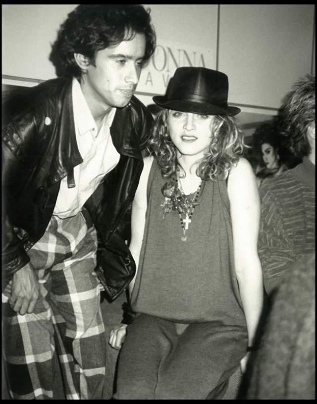 Джон Бенитес и Мадонна , они в 1983 году вместе записывали песни.