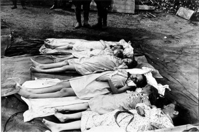 1 мая всем шестерым детям четы Геббельс были сделаны уколы морфина, после чего каждому была вложена в рот и раздавлена ампула с цианистым калием. Участвовала ли сама Магда в убийстве детей или же это было поручено доктору, историки сказать однозначно не могут.