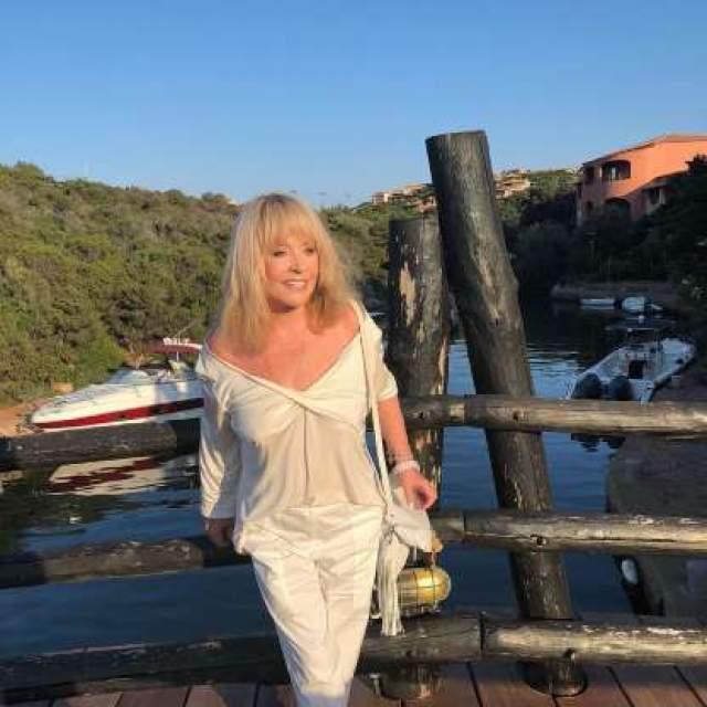 Алла Пугачева. В апреле 2018 года стало известно, что дети Примадонны и ее мужа Максима Галкина, как и она сама, получили гражданство Кипра.