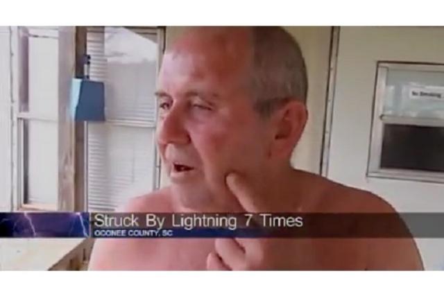 В 1942 году молния ударила Роя в ногу, когда он находился на пожарной башне, при этом оторвался ноготь на большом пальце. В 1969 году, в результате удара молнии во время езды по горной дороге, Рой остался без бровей и потерял сознание.