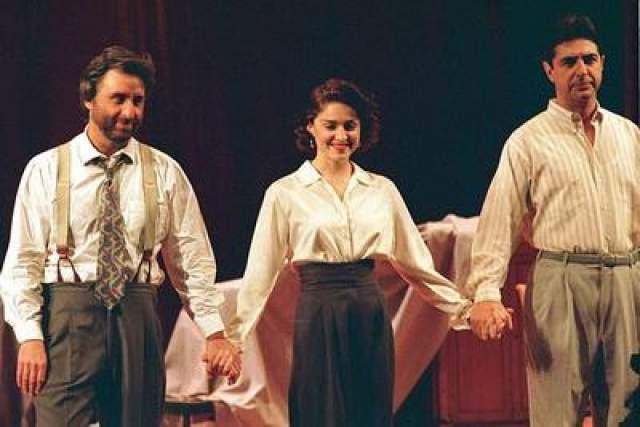 """В 1988 году Мадонна дебютировала на Бродвее в пьесе Дэвида Мамета """"Пошевеливайся""""."""