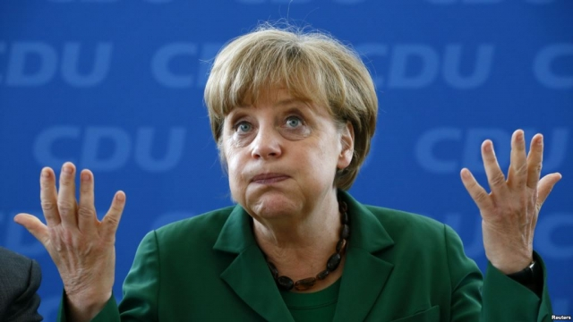 """И добавила, что это также касается и """"нападений на мечети """". Конечно же, Меркель просто оговорилась, а ее послание несло противоположный смысл. На самом деле федеральный канцлер имела в виду, что в Германии не должно быть места для ненависти к евреям и мусульманам."""