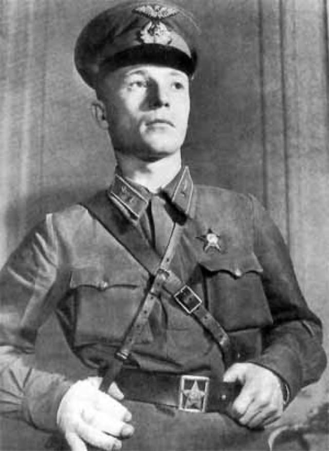 Затем Талалихин сбил еще пять немецких самолетов. Погиб во время очередного воздушного боя около Подольска в октябре 1941-го.