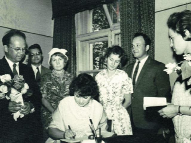 """В 1962 году Наталья участвовала в съемках ленты """"Половодье"""" в Тарусе. Там она и познакомилась со звукорежиссером Владимиром Крачковским, который впоследствии стал ее мужем."""