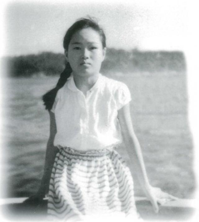 """Садако Сасаки - девочка из Хиросимы, о судьбе которой узнал весь мир. В момент детонации """"Малыша"""" двухлетняя Садако была дома на расстоянии приблизительно 2 километров от эпицентра."""