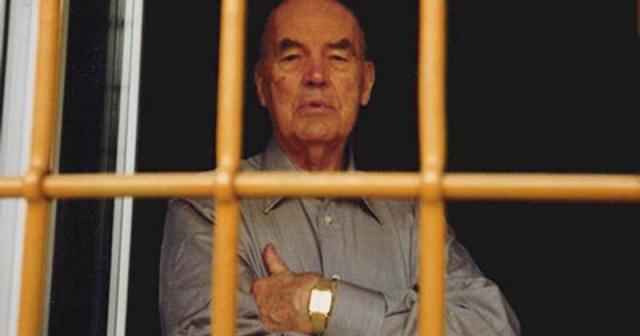 Интервью возмутило свидетелей преступления, привело к экстрадиции Прибке в Италию и суду, длившемуся более четырех лет. Скончался Прибке в 2013 году, на 101 году жизни.