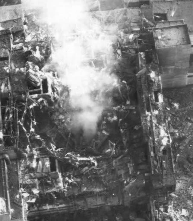 26 апреля кошмар случился не в снах сотрудников, а на самой станции, и об удивительных рассказах забыли, но лишь на некоторое время: пока тушили пожар, свирепствовавший после взрыва, выжившие в пламени рассказывали, что отчетливо видели 6-метровую черную птицу, которая вылетела из клубов радиоактивного дыма, валившего из разрушенного четвертого блока.