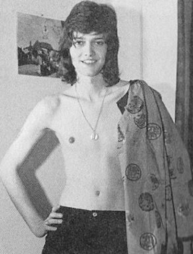 """Кэролайн Тула Косси. Будущая модель поменяла пол с мужского на женский в 17 лет. Она одна из самых известных транссексуалок в мире и первая, позировавшая для """"Плейбоя""""."""