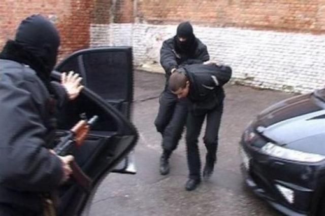 Русский криминал за рубежом занимается либо обычным рэкетом, либо серьезным бизнесом вроде отмывания денег, махинаций на финансовых рынках или торговлей оружием.