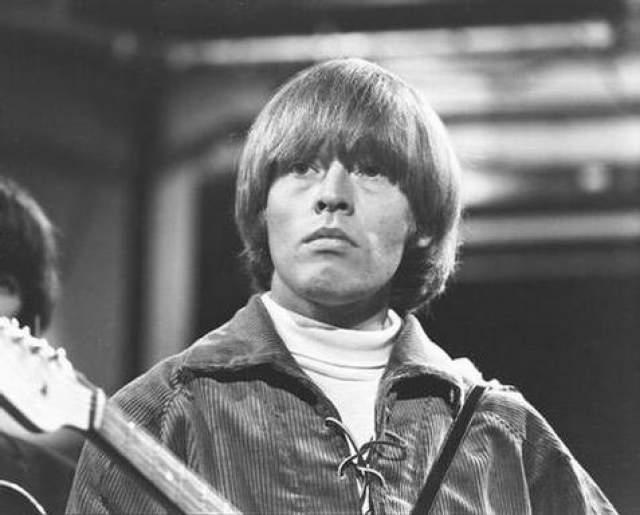 Брайан Джонс, 1942 — 1969. Основатель группы The Rolling Stones, как писали спустя годы в прессе, чувствовал себя чужим в созданном им же коллективе.