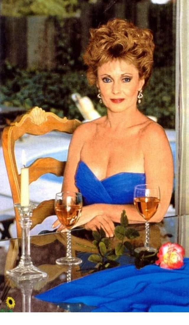 """МакКоннелл так и осталась по большому счету сериальной актрисой, ее можно было увидеть в """"Мелроуз Плейс"""" и """"Беверли-Хиллз 90210"""". Но также она снималась в """"Разбивающей сердца"""", """"Американской истории преступлений"""", """"Шепоте зомби"""". В 2007 году Джудит приезжала в Россию на съемки сериала """"Дочки-матери"""", а также периодически снималась в рекламе."""