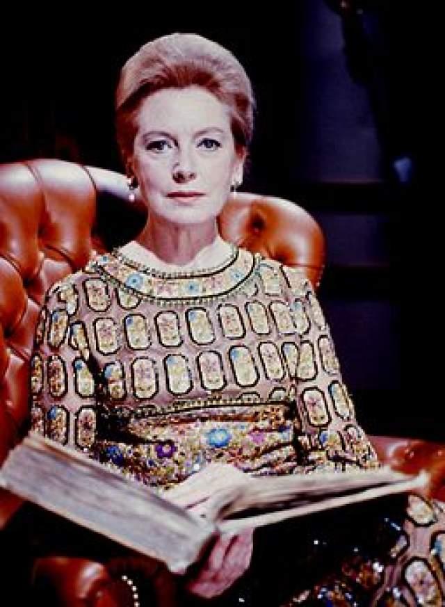 """Дебора Керр. Британская актриса, обладательница премии """"Золотой глобус"""" за фильм """"Король и я"""", """"Оскара"""", BAFTA и награды Каннского кинофестиваля умерла 16 октября 2007 года от болезни Паркинсона в возрасте 86 лет в деревне Боутсдейл, графство Саффолк, Великобритания."""