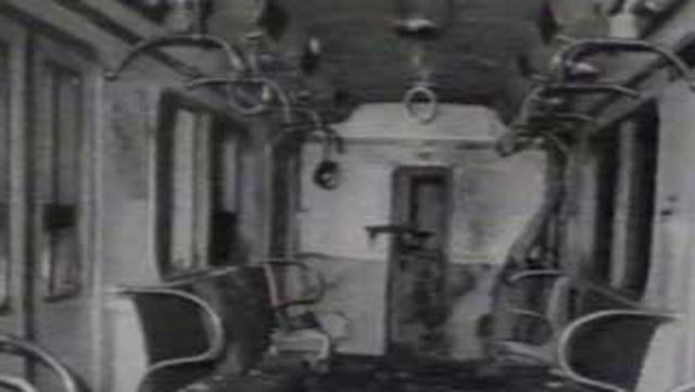 В 17:33 в вагоне московского метро взорвалась бомба.