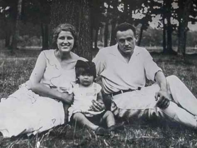 В 1931 году Королев женился на подруге юности Ксении Винцентини. Позже у них родилась единственная дочь Наташа.