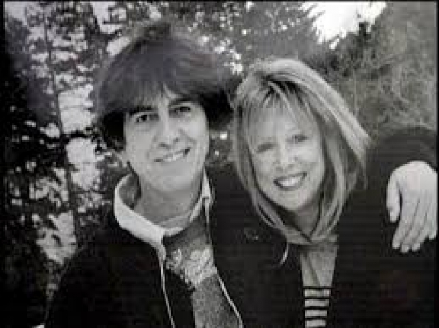 В 1974 году любовники раскрыли свои отношения Джорджу. Как ни странно, Харрисон, без лишних переживаний принял весть об измене супруги и не стал злиться на друга, а позже даже стал шафером на их свадьбе.