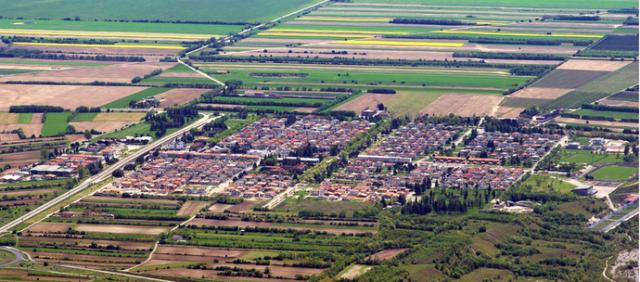 Большинство выживших жителей Лонгароне переехали в городок, также получивший название Вайонт, который был построен специально для них неподалеку.