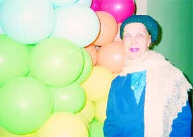 Последние годы народная артистка России питалась в столовой для бездомных и малоимущих. Получала пенсию, которой не хватало даже на квартплату. Умерла в нищете 25 марта 2007 года. Урна с прахом Тамары Носовой была захоронена в колумбарии Ваганьковского кладбища.