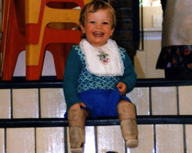 Оскар Писториус. Будущий известный спортсмен родился с ограниченными возможностями - у него не было ног ниже колен.