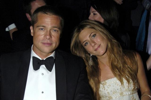 Пикантность ситуации добавлял тот факт, что Питт тогда был женат на Дженнифер Энистон . Актеры никак не комментировали подобные предположения.