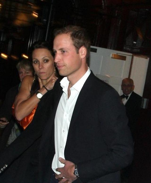 Поговаривали, что расстояния и частные командировки по долгу службы принца стали помехой их любви. После этого принца часто видели на шумных вечеринках.