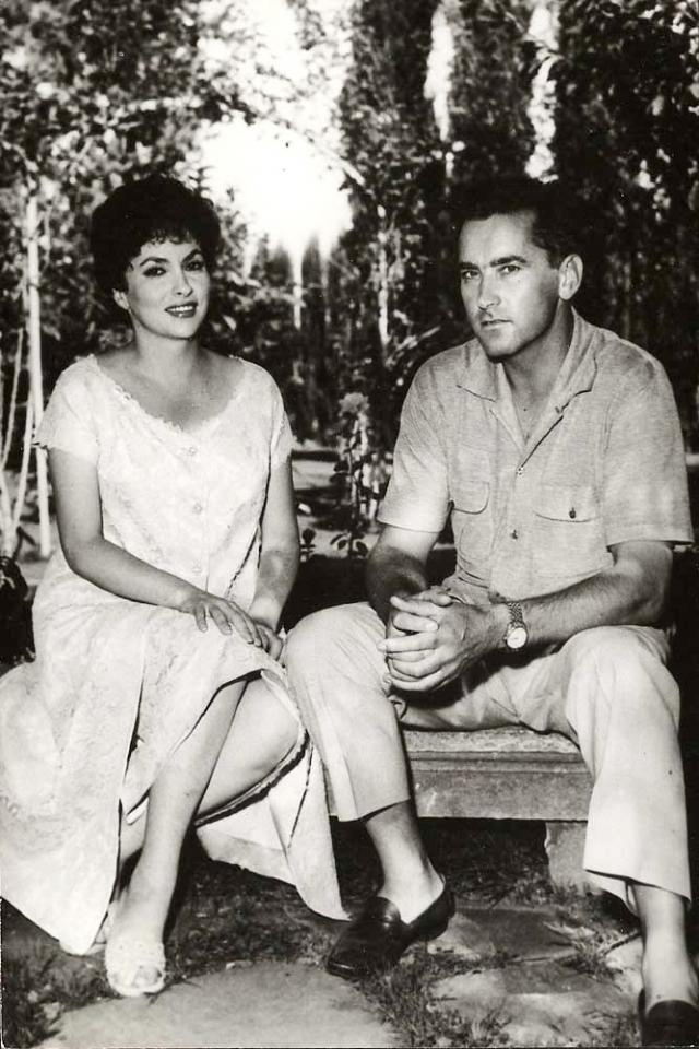 В 1949 году Джина вышла замуж за югославского врача Милко Скофича, а 28 июля 1957 года у них родился единственный сын Милко-младший. В браке с мужем Лоллобриджида прожила 19 лет, однако в 1971 году супруги развелись. Больше Лоллобриджида замуж не выходила.