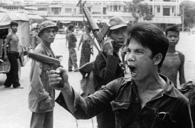 """""""Красные кхмеры"""" – крайне левое течение в коммунистическом движении аграрного толка в Камбодже, созданного в 1968 году. Их основные идеи вертелись вокруг неприятия всего западного и современного."""
