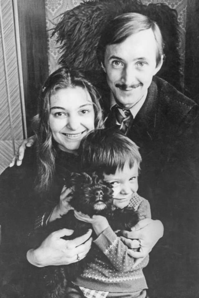 Наталья Бондарчук , Николай Бурляев и их сын Ваня.