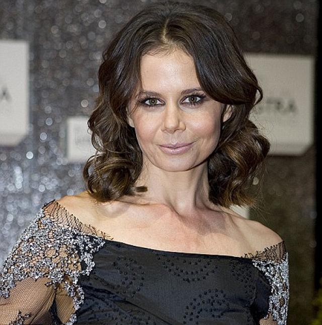 Антония - австралийская журналистка и телеведущая.