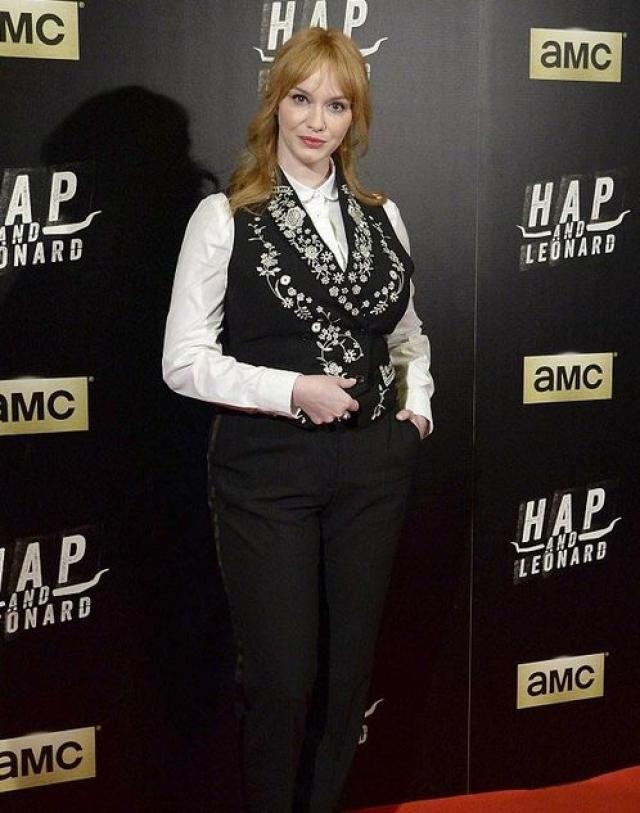 Кристина Хэндрикс. Не известно, какой образ задумывала актриса, но он явно не подходит для красной ковровой дорожки.