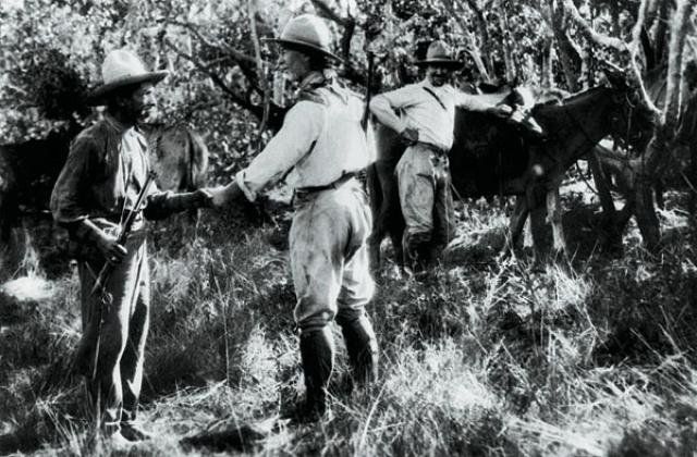 Перед отправкой в поход Фосетт оставил завещание о том, чтобы его никто не искал в случае пропажи. Но полковника не послушались и более 50 путешественников погибли в Амазонии, пытаясь отыскать Фоссета. А в 1996 году индейцы взяли очередную экспедицию в плен и выпустили на свободу только в обмен на все оборудование искателей.