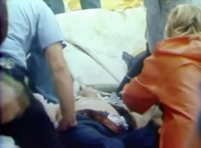 Каскадер скончался на следующий день в больнице от полученных травм.Больше каскадеры в кино никогда не совершали падений с такой высоты.