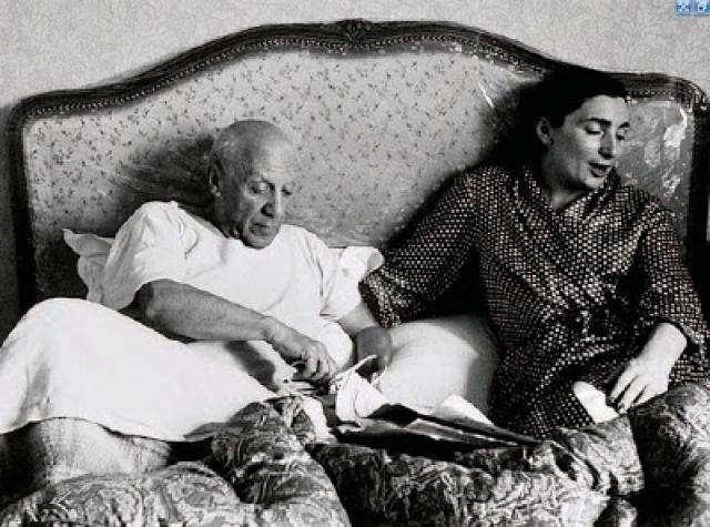 15 октября 1986 года в три часа утра застрелилась в своей постели вдова Пикассо Жаклин. Это произошло накануне открытия выставки художника в Мадриде…